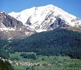 Monte Vioz mit der Stadt Peio